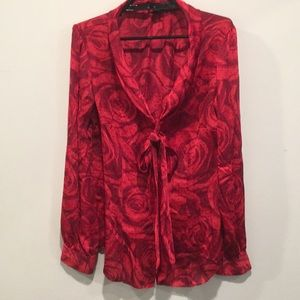 Bow Front button up Blouse. Red roses dotted. Sz 6